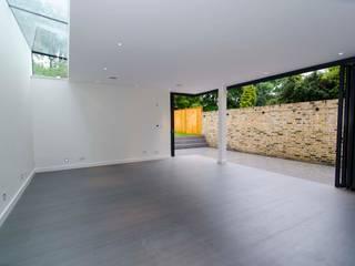 Hampstead development: modern Living room by London Refurbishments