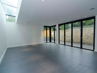 Hampstead development Minimalist living room by London Refurbishments Minimalist
