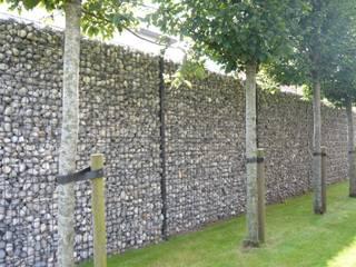 Giardino moderno di Betafence Nv Moderno