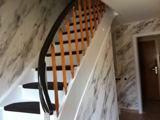 Staircase Eclectische gangen, hallen & trappenhuizen van Maler Kaltenbach Eclectisch