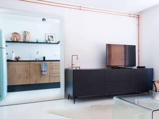Koper in de hoofdrol Moderne woonkamers van IJzersterk interieurontwerp Modern
