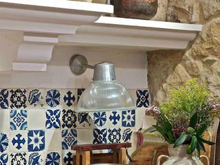 La cultura del txoko tradicional. Cocinas de estilo rústico de Urbana Interiorismo Rústico