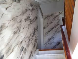 Staircase Maler Kaltenbach Koridor & Tangga Gaya Eklektik