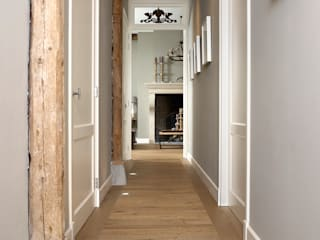 Nobel flooring Country style corridor, hallway & stairs