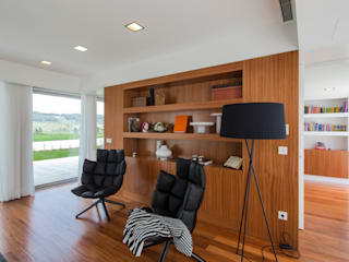 Atelier Lopes da Costa: modern tarz Oturma Odası