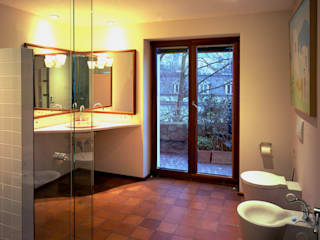 Bathroom by SNAP Stoeppler Nachtwey Architekten BDA Stadtplaner PartGmbB