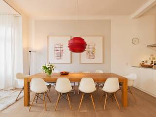 Wohnhaus A in Oldenburg: moderne Esszimmer von ANGELIS & PARTNER Architekten mbB