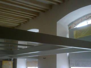 Vista soppalco: Finestre in stile  di A3 Studio Associato di Architettura e Ingegneria di Arch. Ing. Marco Bramati e Arch. Marco Paolo Galbiati