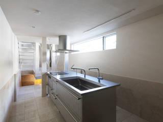 saikudani no ie 一級建築士事務所アトリエm Modern style kitchen