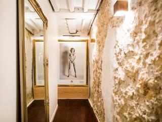 Hélène de Tassigny Ingresso, Corridoio & Scale in stile eclettico