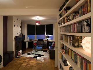 Living room: modern Living room by Elektra Lighting Design