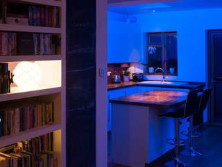 Kitchen: modern Kitchen by Elektra Lighting Design