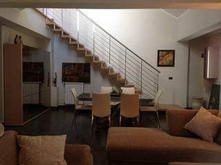 Duplex Soggiorno moderno di Renato Carere Moderno