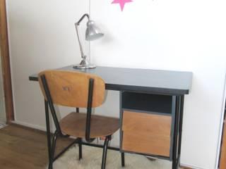 Bureau 50's à caisson. Ribambelle & Compagnie Chambre d'enfantsBureaux & chaises