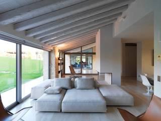 Salas / recibidores de estilo  por Vegni Design, Moderno