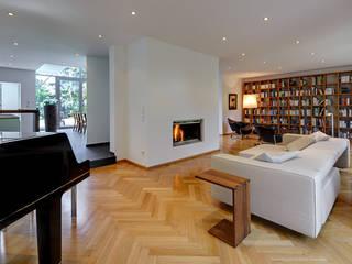 Modern living room by Architekturbüro Lehnen Modern