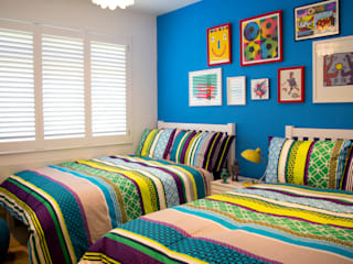 Colourful boys bedroom: modern Bedroom by LLI Design