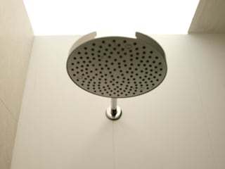 Minimalist style bathroom by Giandomenico Florio Architetto Minimalist