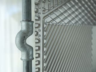 Parawan w ramie z rur hydraulicznych od NaNowo Industrial Design Industrialny