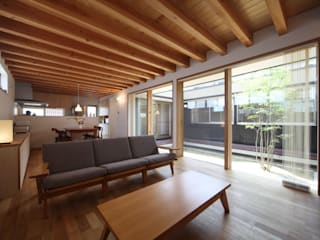 Scandinavian style living room by 青木昌則建築研究所 Scandinavian