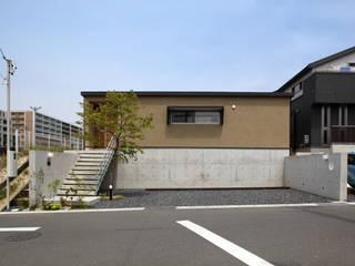 Modern houses by 青木昌則建築研究所 Modern