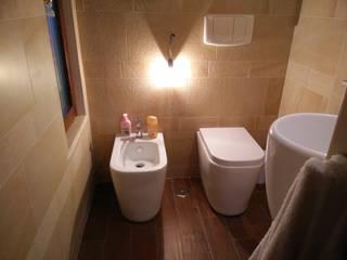 Mediterranean style bathrooms by Francesca Ianni architetto Mediterranean