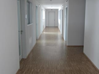 Industrieparkett Eiche versiegelt:  Bürogebäude von Klaus Petrich Fussbodentechnik GmbH