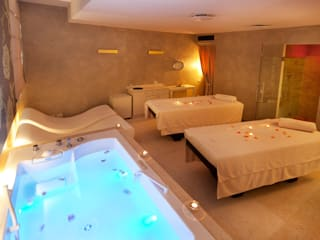 PRIVATE SPA : Hotel in stile  di STUDIO ARCHITETTURA SILVIA GIANNINI
