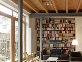 Klasyczny salon od +studio moeve architekten bda Klasyczny