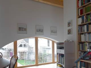 Classic style dining room by +studio moeve architekten bda Classic