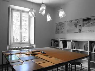 sala riunioni: Studio in stile in stile Minimalista di a2 studio di architettura