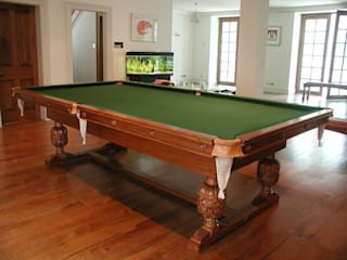 The Refectory Heywood Snooker/Pool Diner HAMILTON BILLIARDS & GAMES CO LTD ComedorMesas