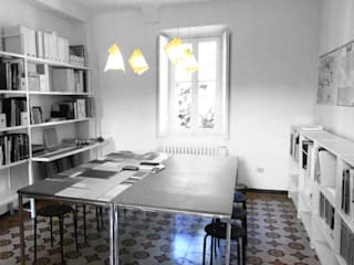 studio di architettura: Studio in stile in stile Minimalista di a2 studio di architettura