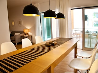Modern dining room by Staging Factory Modern