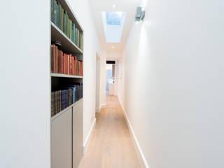 Roland Gardens Minimalist corridor, hallway & stairs by BTL Property LTD Minimalist