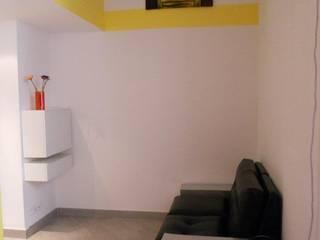 Mini alloggio a Nizza Soggiorno moderno di UAU un'architettura unica Moderno