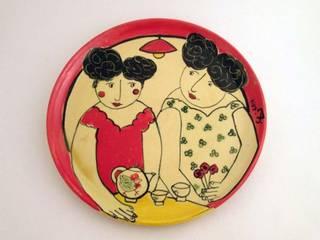 Assiette Les filles prennen tle thé Salle à manger méditerranéenne par Fabienne Gilles Méditerranéen