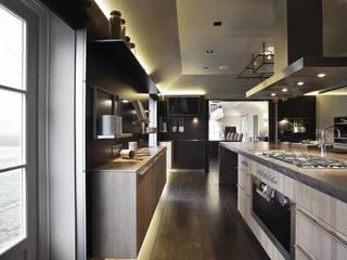 Hertfordshire Home Cozinhas modernas por Alessandro Isola Ltd Moderno