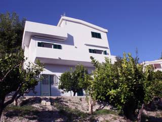 Mediterranean style house by Durango Studio di architettura e paesaggio Mediterranean