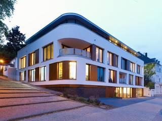 Eckansicht: moderne Häuser von bdmp Architekten & Stadtplaner BDA GmbH & Co. KG