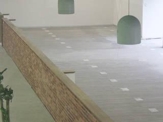 Gimnasios de estilo moderno de La Fustería - Carpinteros Moderno