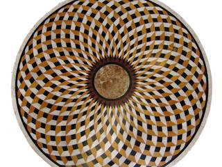 """Mesa redonda de mármol """"trenza"""":  de estilo  de Conely"""