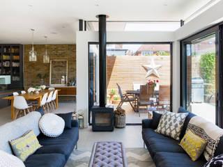 Broadgates Road SW18 Modern living room by BTL Property LTD Modern