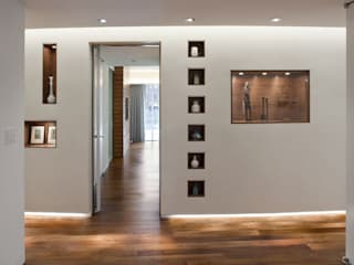 E 53rd St Apartment, NYC Modern Corridor, Hallway and Staircase by Eisner Design Modern
