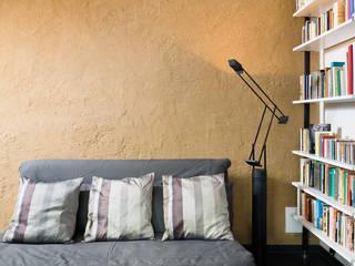 Sanierung Einfamilienhaus am Hang: modern  von Natürlich Architektur,Modern