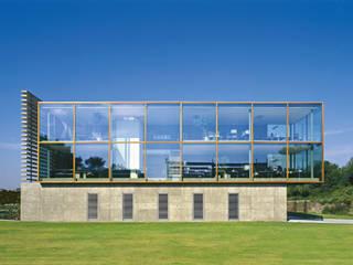 Filigrane Konstruktion der Außenhaut:  Bürogebäude von Anin · Jeromin · Fitilidis & Partner