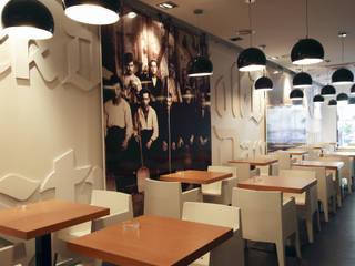 CERVECERÍA AUGUST Gastronomía de estilo minimalista de INTERTECH ESPACIO CREATIVO Minimalista