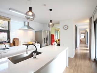 Kitchen by 주택설계전문 디자인그룹 홈스타일토토,