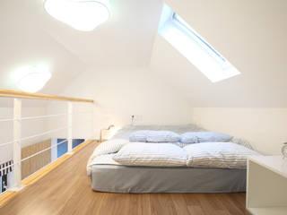 Camera da letto in stile  di 주택설계전문 디자인그룹 홈스타일토토, Moderno