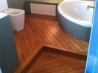 Rustic style bathrooms by COMPENSATI CABBIA snc Rustic